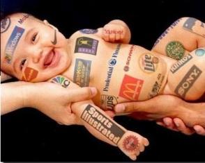 A maior parte das crianças só consegue entender plenamente o caráter persuasivo da publicidade aos 12 anos. Foto: Internet